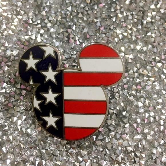 DISNEY MICKEY HEAD USA PIN FROM 9/11!